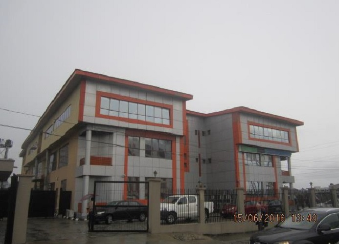 Kola Akomolede & Co Property For Sale Block of Office And Flats on Land of about 3,000m2 At Lekki Phase 1 Lagos