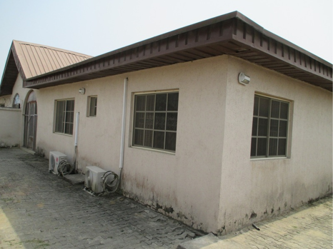 Kola Akomolede & Co Propety For Sale 2 Contiguous  3 Bedroom Bungalow At Abraham Adesanya Estate Ajah Lagos (3)