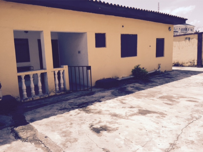 Kola Akomolede & Co To Let 3 Bedroom Flat Bungalow At Simeon Akilolu Street Oniru