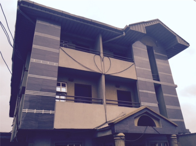 Kola Akomolede & Co. For sale 16 rooms guest house at Fadeyi Bus stop area of Ikorodu road(2)