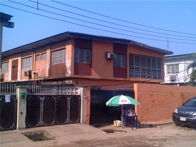 Kola Akomolede & Co. Property For Sale A Block of 4 Nos. 3 Bedroom Flats + 2 rooms Chalet, at Surulere (3)