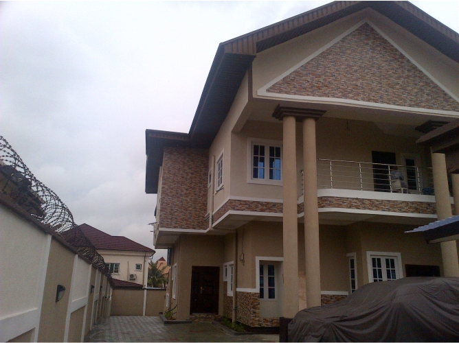 Kola Akomolede & Co. Property  To Let 3 & 2 Bedroom Flats at Magodo Phase 2, Lagos. (1)