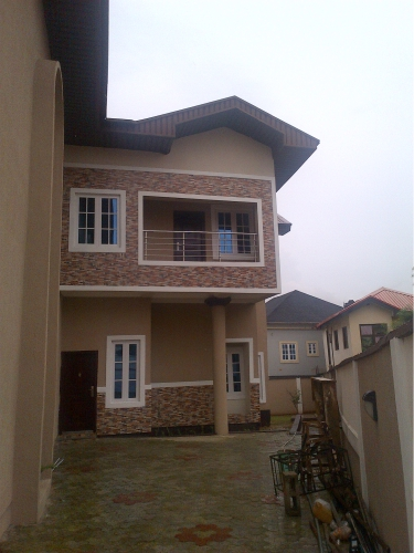 Kola Akomolede & Co.For Sale 4 Bedroom Semi Detached House at Magodo phase 2 (5)